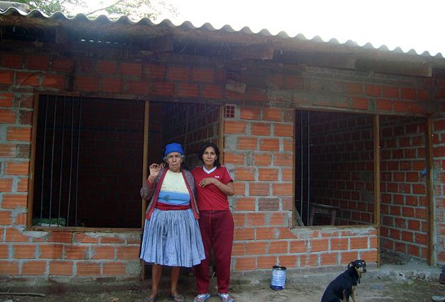 Reconstrucción de viviendas tras derruirse estas por un incendio