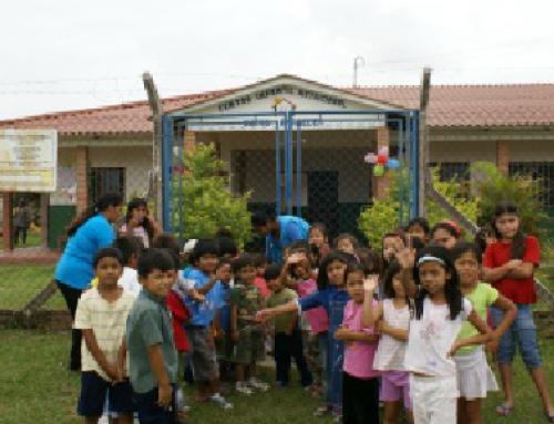 Donación parques infantiles diciembre 2008
